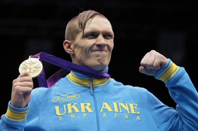 «Мне звезды не нужны»: Усик отреагировал на получение звания Героя Украины