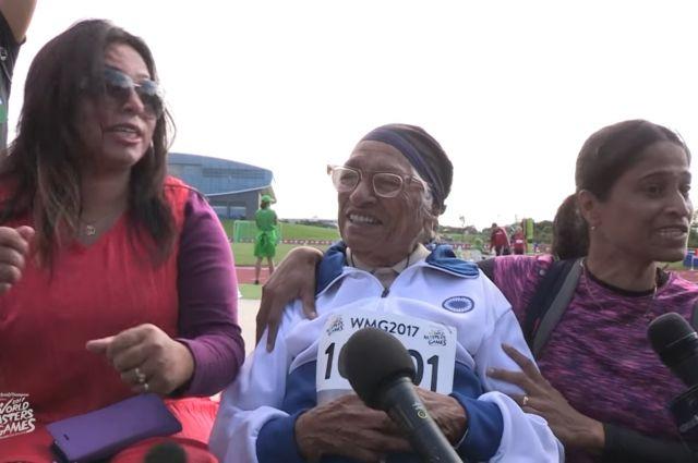 101-летняя пенсионерка победила в забеге на 100 метров