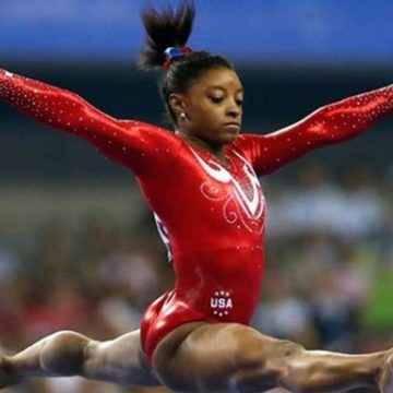Американка Байлс возглавила рейтинг доминирующих спортсменов мира