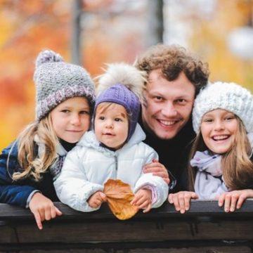 Наконец-то мальчик: Пятов стал отцом в четвертый раз